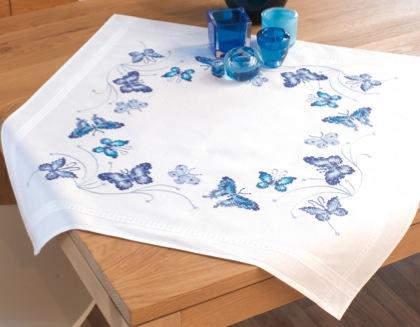 Tovaglia farfalle blu da vervaco per la casa ricamo for Farfalle da ricamare