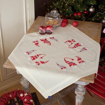 Centrotavola Natalizi A Punto Croce.Centro Tavola Christmas Gnomes Da Vervaco Per La Casa Ricamabili Punto Croce Casa Cenina